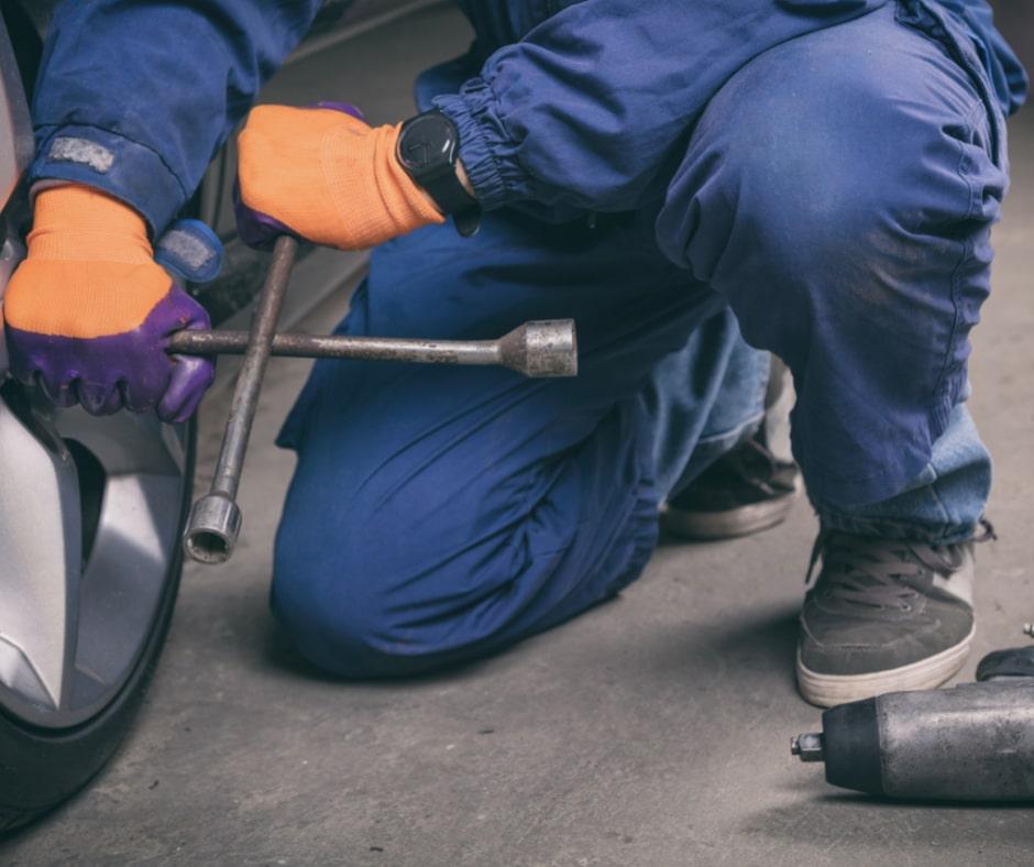 change a flat tire